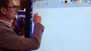 IDF2013现场解读联想光学触控一体机ThinkVision
