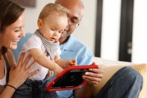 调查显示:2岁以下婴幼儿使用移动设备比例高达38%