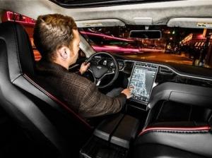 NVIDIA让智能汽车成为马路上的超级电脑