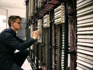 以应用为中心对网络性能管理员会产生哪些影响?