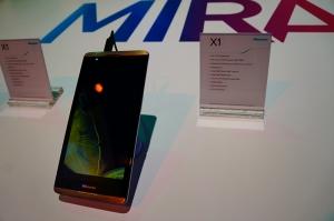 6.8英寸骁龙800巨屏手机 海信X1模糊手机平板界限