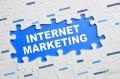 互联网要放弃以广告为基础的商业模式?