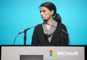 若纳德拉当选微软CEO 新CFO艾米・胡德或将戏份大增