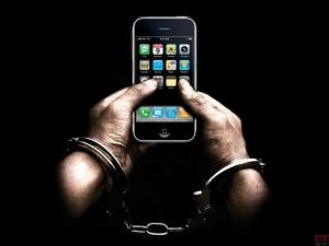 警惕iOS新漏洞:恶意软件或替代合法软件