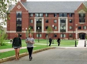 进入理想大学的学生人数达到历史低点