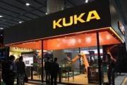 视频:KUKA机器人秒杀画家 绘出人物肖像只需三步骤