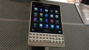 黑莓推AT&T独家版Passport智能手机 边角圆润