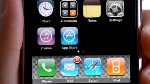 """报道说:Apple的应用商店了充满了""""僵尸"""""""