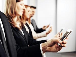 IBM介入认知助手以解决企业设备蔓延的问题