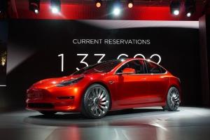 马斯克透露:特斯拉Model 3将于7月28日交付客户