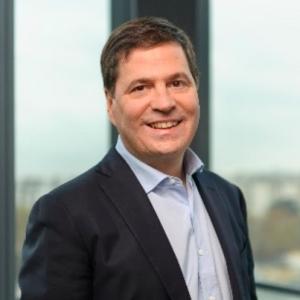 柯睿杰 (Alain Crozier) 微软公司资深副总裁、大中华区董事长兼首席执行官