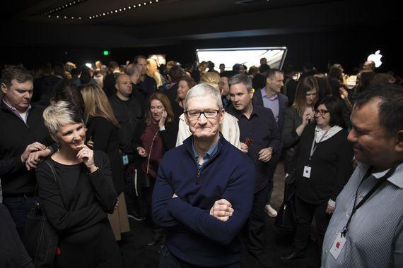 苹果CEO 库克对特朗普公布之移民禁令表示不满