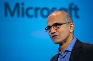 纳德拉:微软不会放弃移动市场 对Win 10寄予厚望