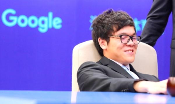三番棋第二局柯洁执白中盘负 AlphaGo赞其完美
