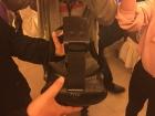 被拖线的VR折磨的快疯了?全球首款支持HTC VIVE无线套件问世