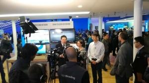 浪潮与中国电信、英特尔在MWC2017联合发布首个运营级NFV整机柜解决方案