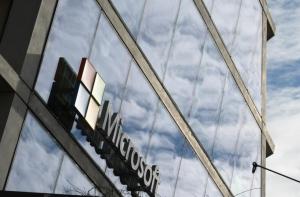 微软第三季度商业云业绩表现强劲,年化收入达152亿美元