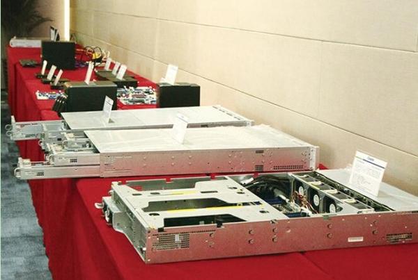 稳定高效扩展灵活  杰和发布四路服务器GCR2524MP-RF