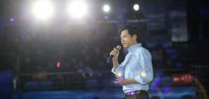 """年会上,雷军给小米定下""""小目标"""":2017年先赚一千亿"""