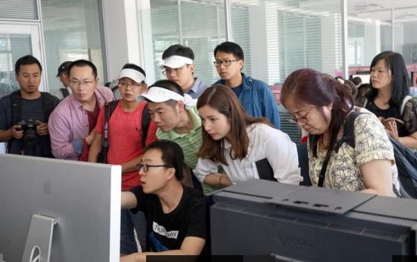 """""""木骨泥塑""""的敦煌莫高窟开启数字化保护之旅"""