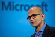 微软与苹果关系微妙变化:纳德拉用iPhone展示微软产品
