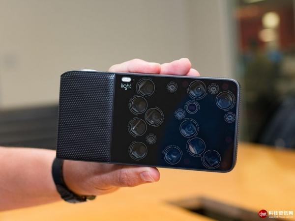 手机摄像头数会止于双摄 还是与剃须刀用一样的套路?