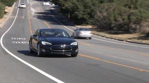 特斯拉电动车10月份将增添自动驾驶模式