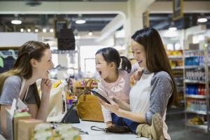 """新科技重塑零售业 NEC携多项新品和解决方案亮相""""2017中国便利店大会"""""""