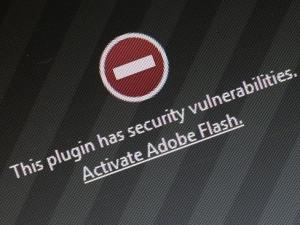雅虎被黑细节:黑客购买Flash广告 浏览即中枪