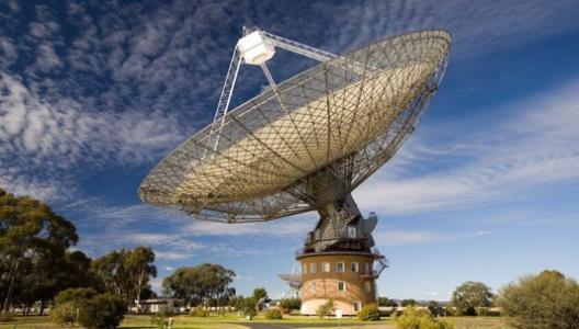 """霍金""""突破聆听""""项目公布首组寻找外星人数据"""