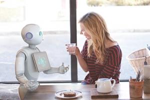 软银Pepper机器人有新工作了:在机场卖食物和啤酒