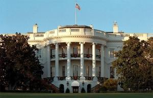 """白宫发布人工智能报告 呼吁制定""""积极""""政策帮助打工仔"""