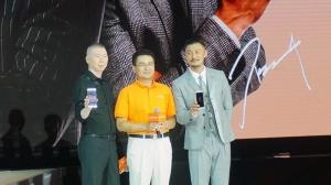 """金立董事长刘立荣:我在国外丢过手机,现在为""""政商人士""""造一部安全手机"""