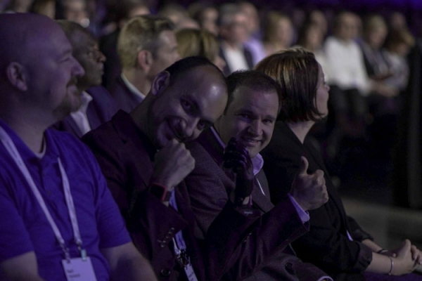 致敬劳动者!戴尔科技集团全球大会隆重上映