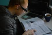 AI技术帮助视觉障碍人士在疫情隔离期间继续学习