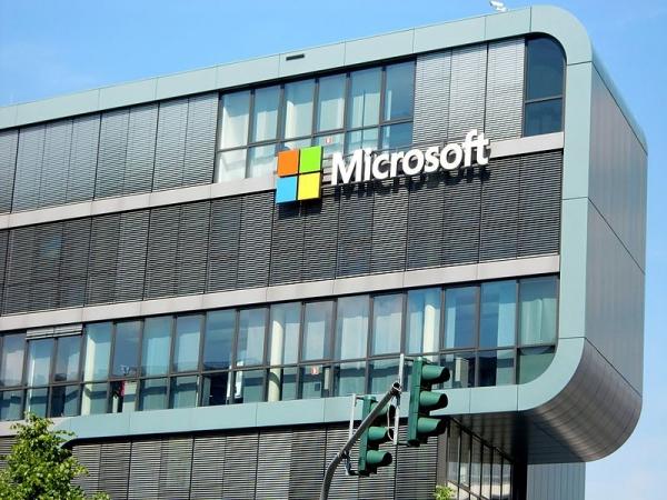 """微软推出""""超快""""版云数据仓库 计算能力提升5倍"""