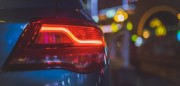 自動駕駛是汽車行業的未來 但這并不代表駕駛者能完全解放雙手