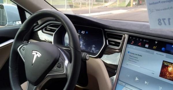 是什么阻止了自动驾驶汽车上路?