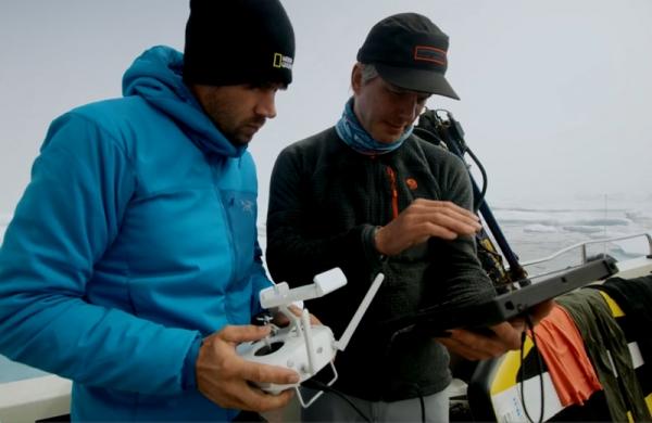 当你从酷寒的北极圈200层楼高的悬崖上抛下一台笔记本