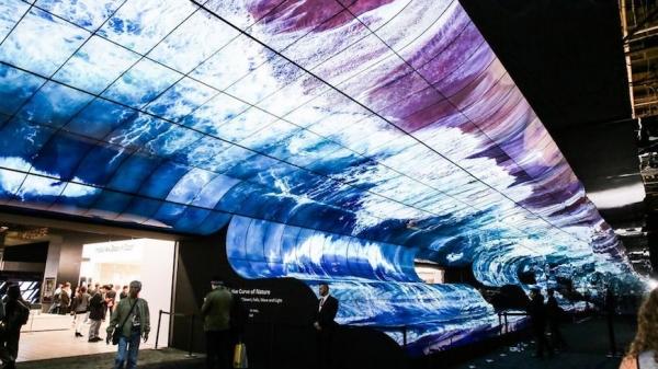 CES2019:看着这一块超大曲面屏,LG,我决定路转粉了