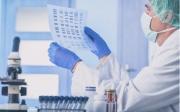 醫生正在利用深度學習算法幫助患者治療癌癥
