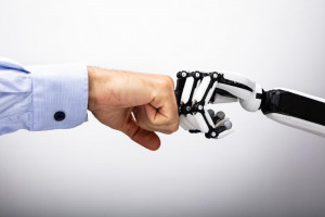 34%员工认为自己的工作将在三年内被自动化