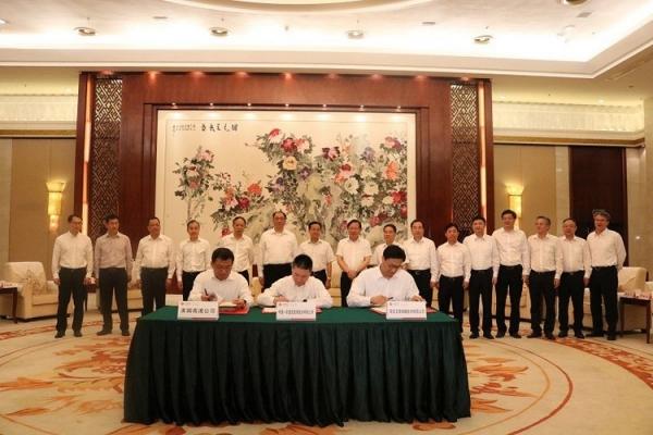 自治区主席陈武见证中国东信、美国高通和日海物联签署战略合作协议