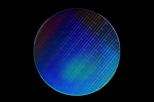 英特尔公司发布基于硅材质的量子位技术,旨在推动量子计算的实现