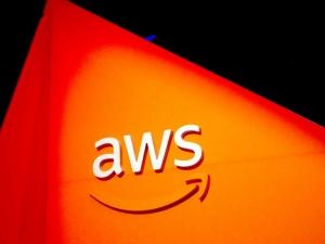 AWS云收入增幅放� Amazon整�w收益依然超出�A期