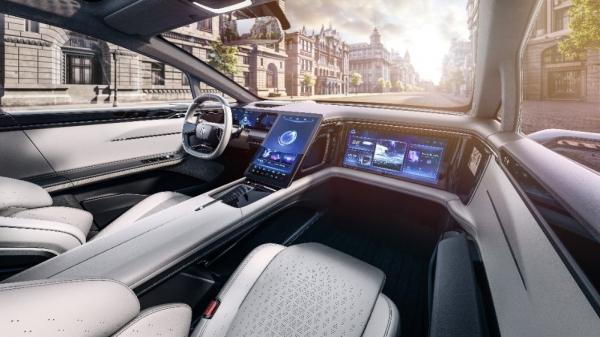 """华人运通丁磊:真正的智能汽车,并非道路上的""""孤岛"""""""