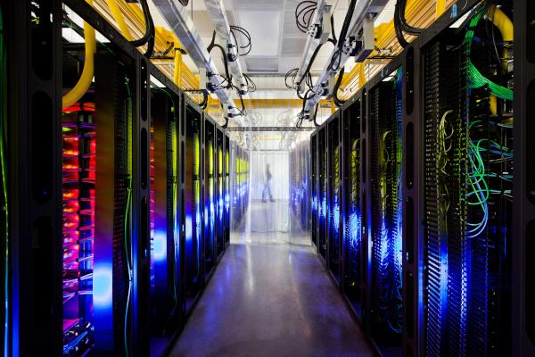谷歌利用人工智能帮助数据中心冷却和保持高效