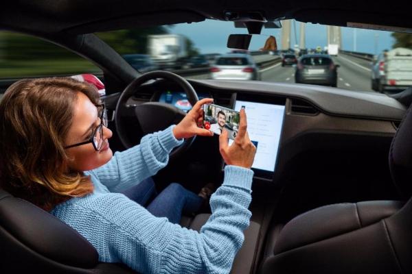 两国对无人驾驶信任度大不同:70%美国人反对,70%中国人支持