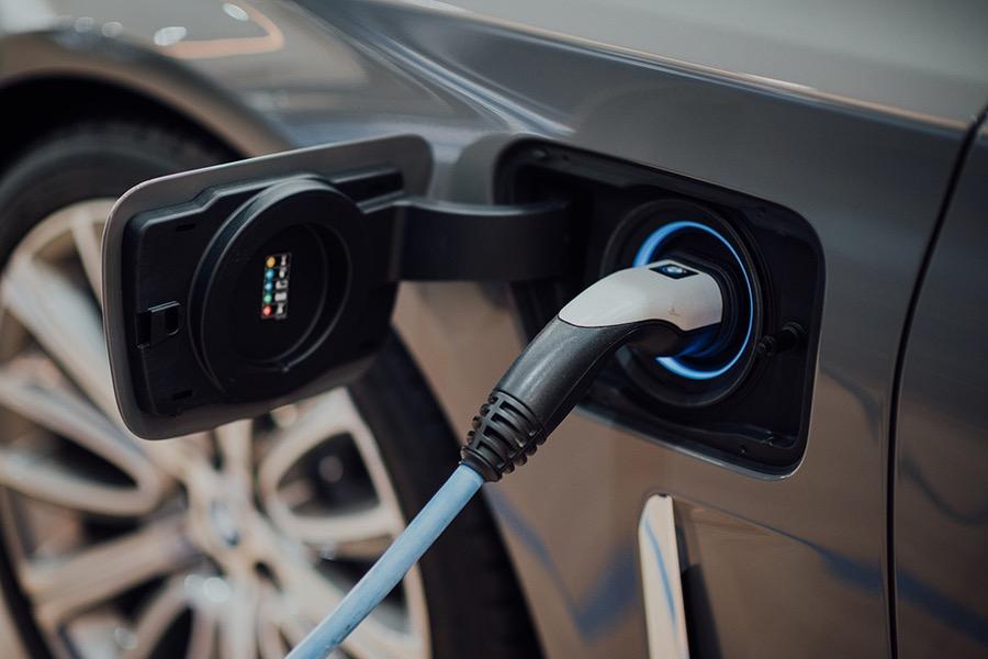 中国正向电动汽车时代全面过渡