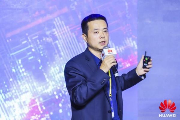 AI赋能智简网络,构筑金融行业创新基石